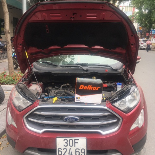 Thay ắc quy xe Ford Ecosport